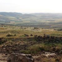 The approach to Göbekli Tepe.